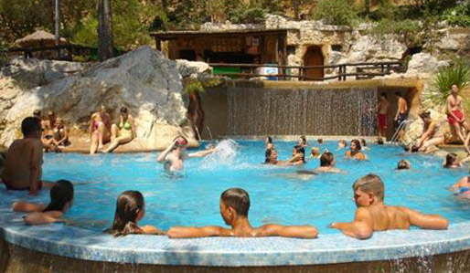 Selectcamp camping Castell Montgri